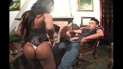 Vídeo de travesti fazendo sexo gostoso